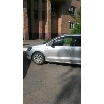Volkswagen Polo, серебристый, 2013, пробег - нет данных, 1.6 МТ (105 л. с.), бензин, передний, VIN XW8ZZZ61ZЕG023809, г. Суджа